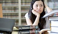 英語の勉強がなかなか捗らない女の子